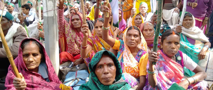 India - Women Farmers at anti-gmo demonstration